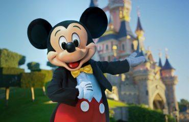 Disneyland Paris riapre dopo otto mesi: obbligo di mascherina ma via libera al parco divertimenti