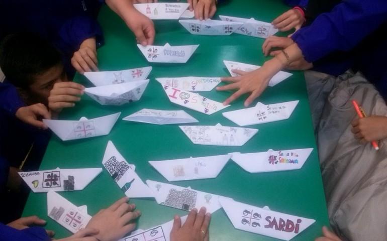Il 28 aprile regala una barchetta. L'iniziativa sul web per ricordare la storia della Sardegna diventa virale