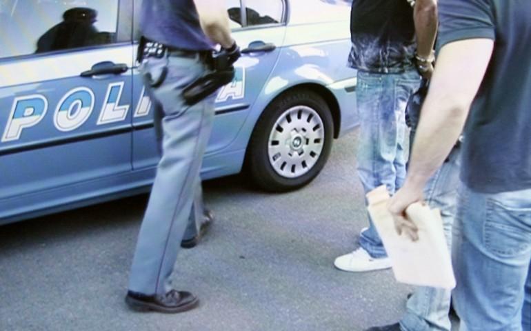 Per un bottino di pizze e birre: arrestato un ventunenne per rapina aggravata.