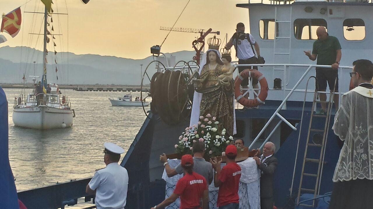 processione per la madonna di bonaria, cagliari