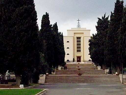 Forte vento a Cagliari: chiusi i parchi e i cimiteri cittadini
