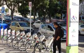 Bike e car sharing e piste ciclabili: in Sardegna cresce la mobilità verde