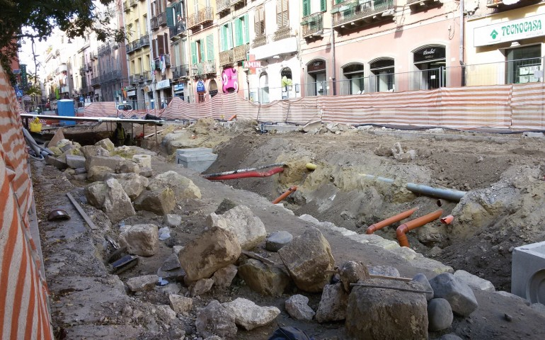 Corso Vittorio Emanuele, parla l'archeologo e tastierista dei Sikitikis Enrico Trudu.