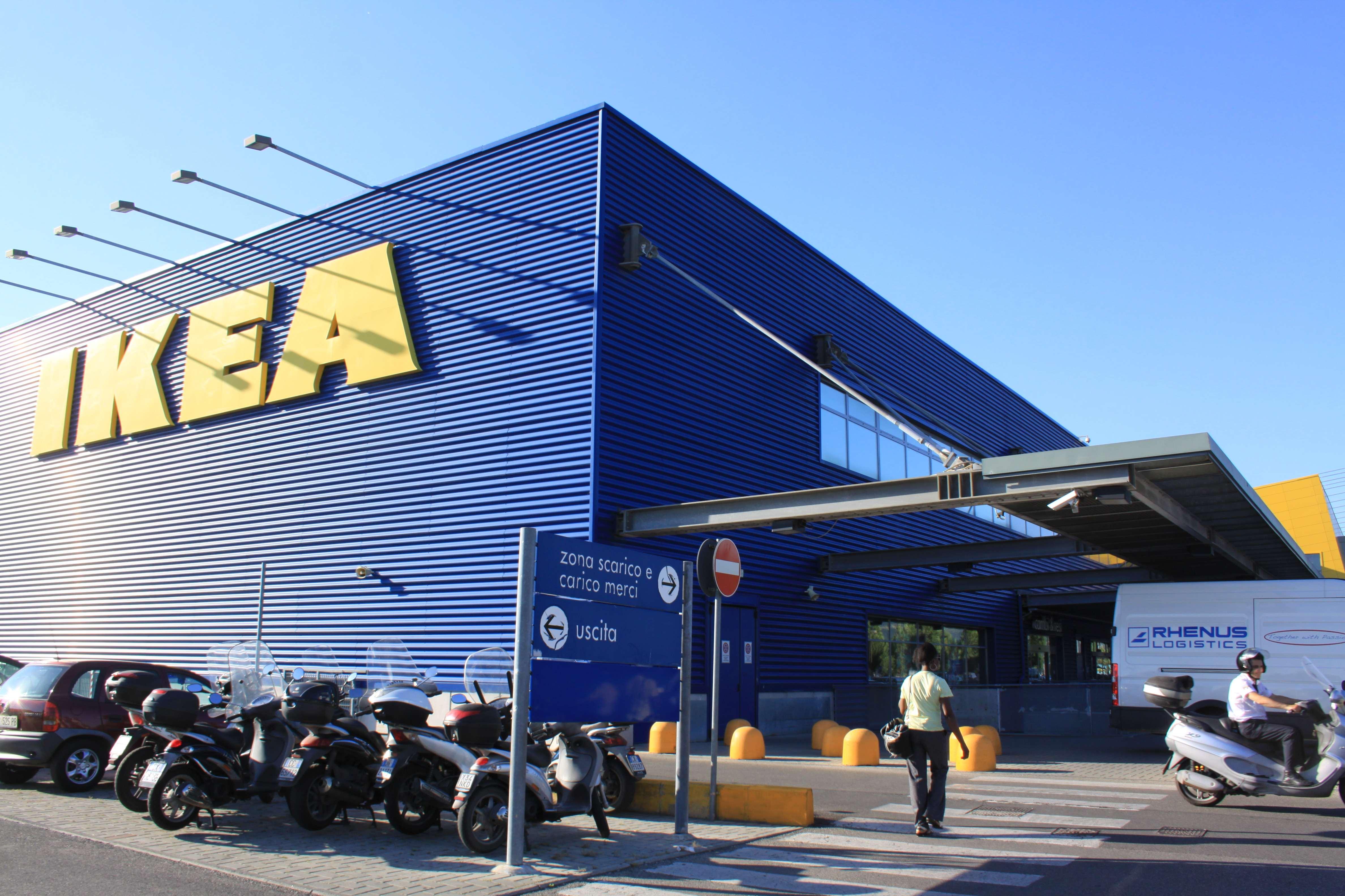 Ikea a cagliari si parte con un punto di ritiro degli for Acquisti online casa