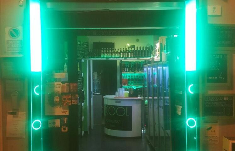 Bere in compagnia, bene e spendendo poco. Sempre più consensi per Alcool: il primo take away di alcolici a Cagliari.