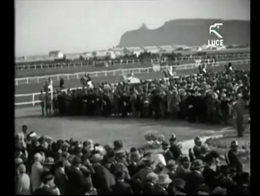 Accadde Oggi: il 29 aprile del 1929 i Savoia inaugurano l'ippodromo del Poetto (VIDEO)