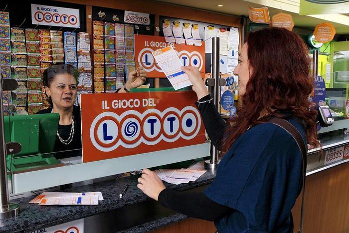 La dea bendata bacia anche Oristano: due i vincitori al Super Enalotto e al Lotto