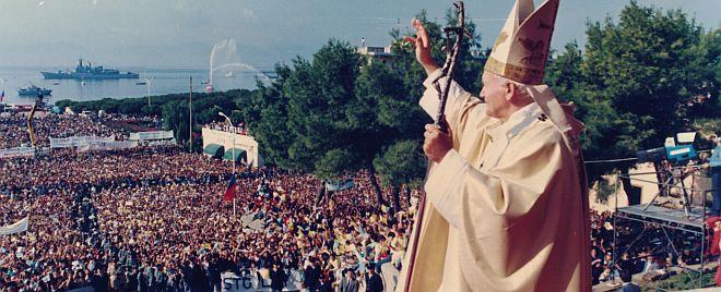 Accadde oggi: 18 ottobre 1985, Giovanni Paolo II arriva in Sardegna