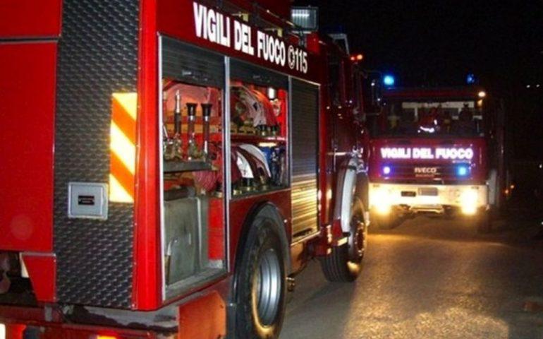 Cagliari: notte di super lavoro per i Vigili del Fuoco. In fiamme tre auto