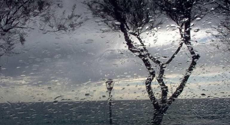 Allerta meteo Protezione Civile: prossime ore con nubifragi e burrasca