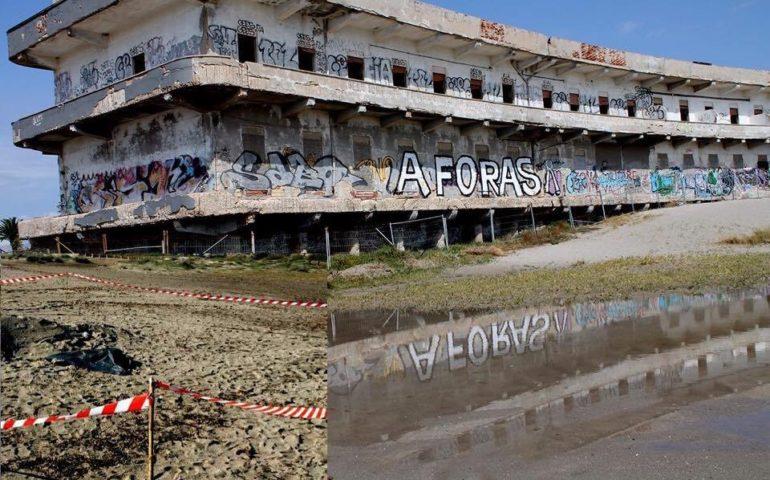 Cadavere senza testa e senza arti trovato in spiaggia a Cagliari