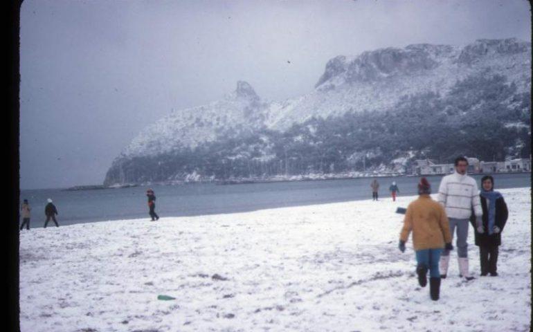 Foto Di Natale Neve Inverno 94.Cagliari Sotto La Neve 1956 1985 E 1993 Gli Anni Delle Ultime