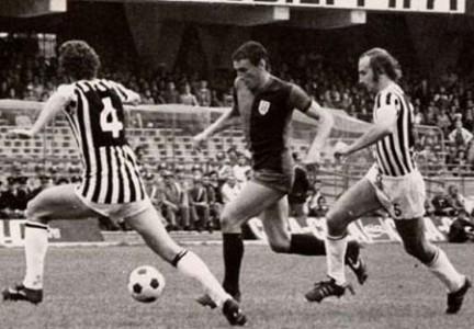 A Gigi Riva leggenda del calcio il Collare d'oro al merito sportivo