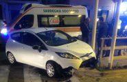 Spettacolare incidente in via della Pineta: due auto coinvolte, tanto spavento e per fortuna nessun ferito