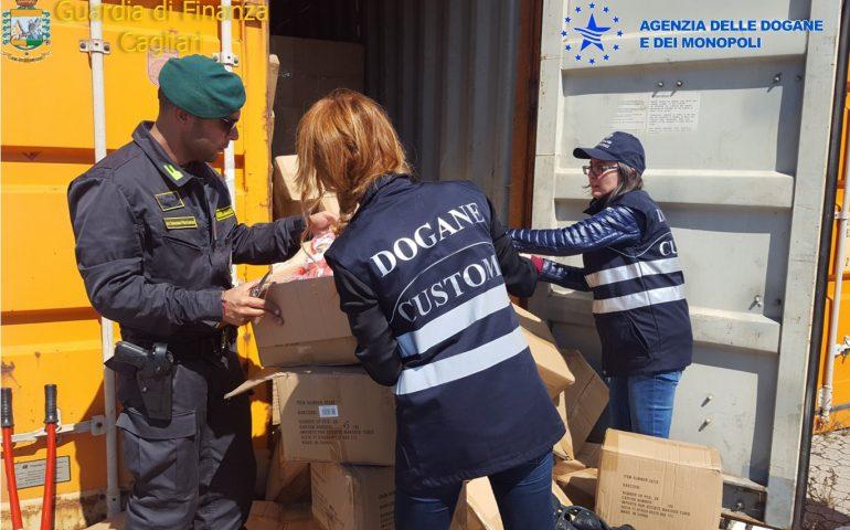 Scoperte a Cagliari 12mila calzature contraffatte: sequestro al Porto Canale