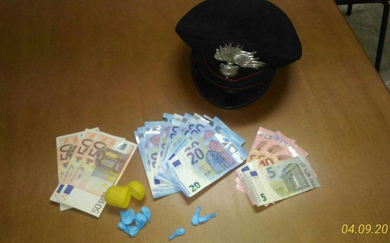 Catania: lancia 2 Kg di cocaina dal camion, arrestato