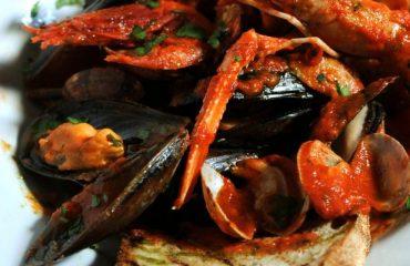 La ricetta Vistanet di oggi: sa Cassola de pisci a sa casteddaia, una zuppa deliziosa