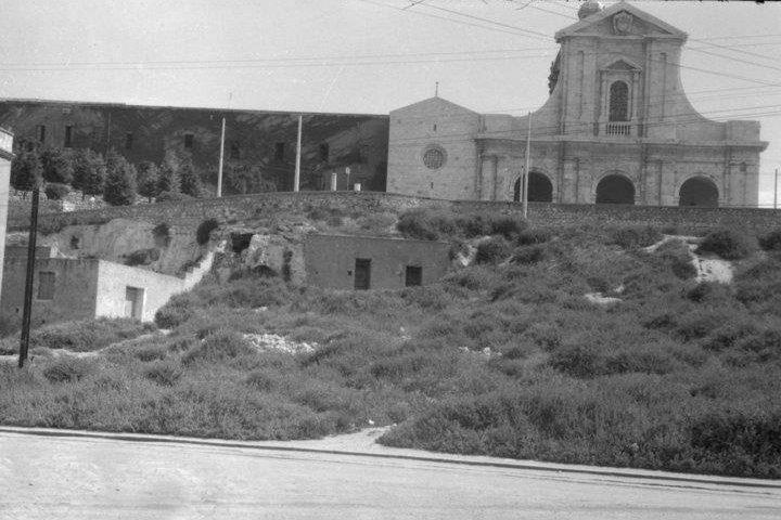 Cagliari mon amour. Da dove deriva il nome 'Bonaria'? Cosa accadde in una tenda alle pendici del colle? Fatti e misfatti di un luogo sacro fra culto pagano, cristianità e storia