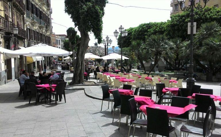 PIazza Yenne si rifà il look, rimossi i gazebo fra qualche malumore dei commercianti della piazza