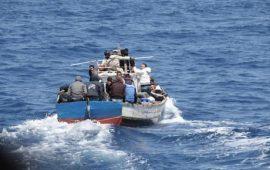 Migranti, sbarco nelle coste del Sulcis: 14 persone a bordo di un barchino intercettate dai finanzieri