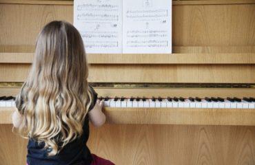 """Studiare e ascoltare musica aiuta a ricordare. Domani nel polo universitario di Sa Duchessa il seminario  """"Propedeutica musicale, dal suono al pensiero"""""""