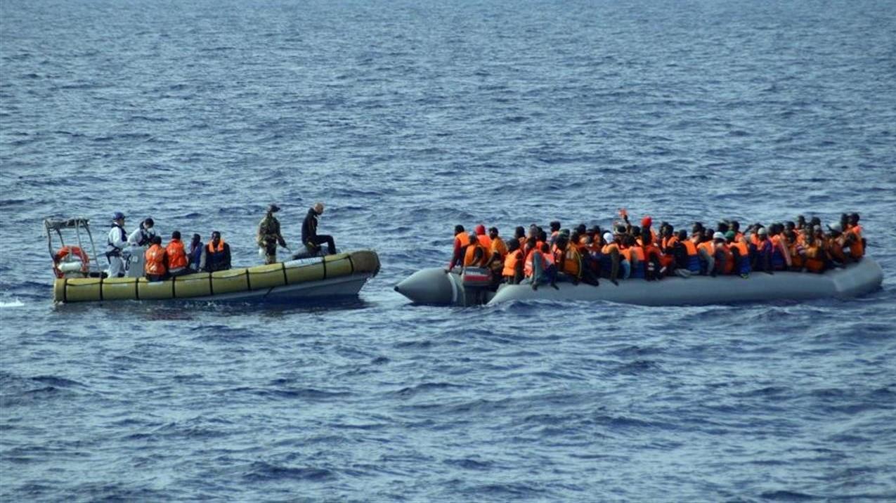 Migranti, Frontex: calano sbarchi in Italia, -57% a luglio