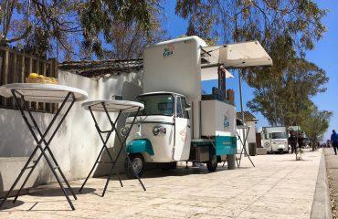 """La nuova avventura di """"Su frittu"""", l'Ape car che serve Street Food diventa un franchising e invade le spiagge sarde"""