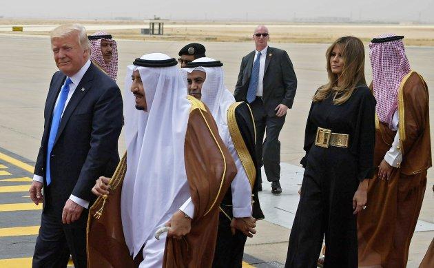 Trump vende a Riad armi per 110 miliardi