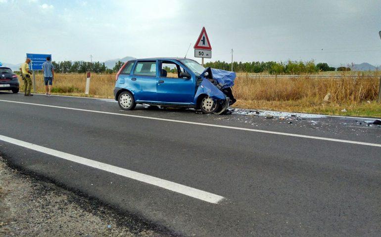 Scontro fra auto, muore donna di Arbus