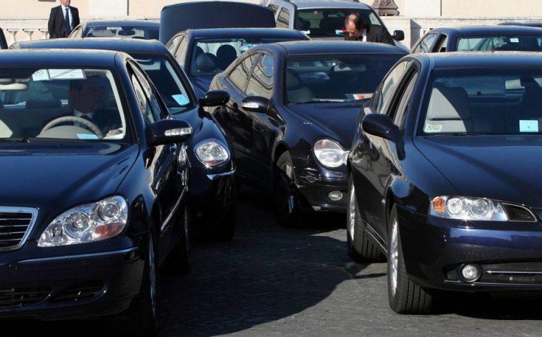 La beffa delle auto blu: sono aumentate di 9000 unità