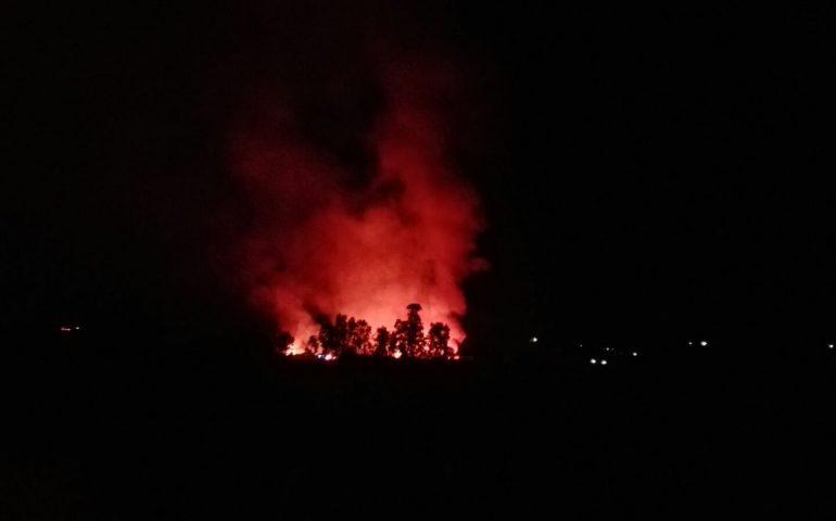 La Sardegna brucia ancora. Maxi incendio zona Flumini di Quartu