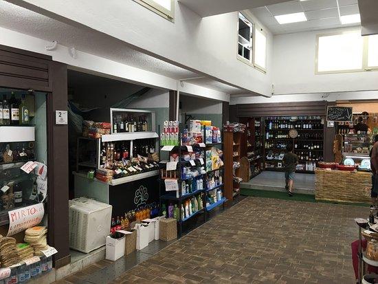 All'interno del mercato di Santa Chiara apre il ristorante dove si potranno mangiare i prodotti comprati nei box