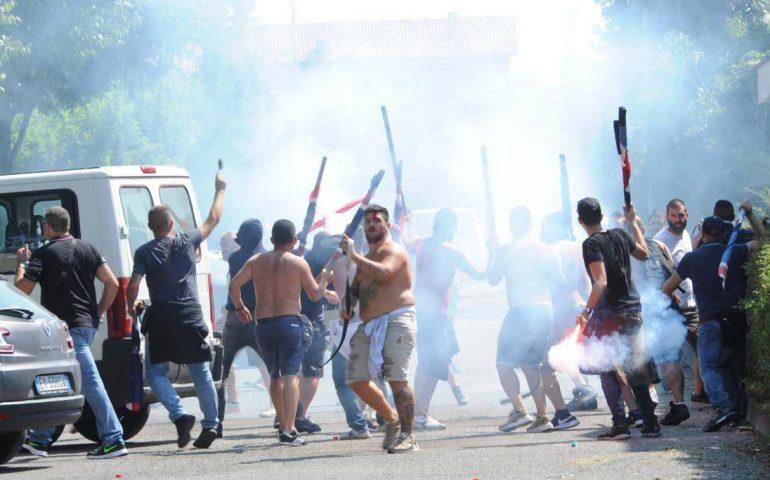 Palazzolo: scontri tra 100 ultrà prima dell'amichevole Brescia-Cagliari