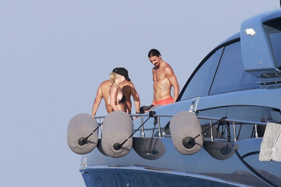 Ibrahimovic e Mino Raiola - foto Stella Pictures 2
