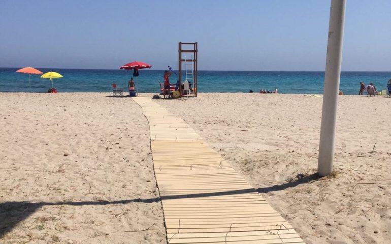 Palpeggia una quarantenne in spiaggia al Poetto, arrestato pensionato