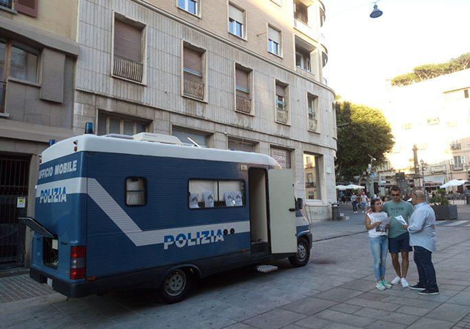 """Cagliari: """"Progetto Camper contro la violenza di genere"""". La Polizia a supporto delle donne"""