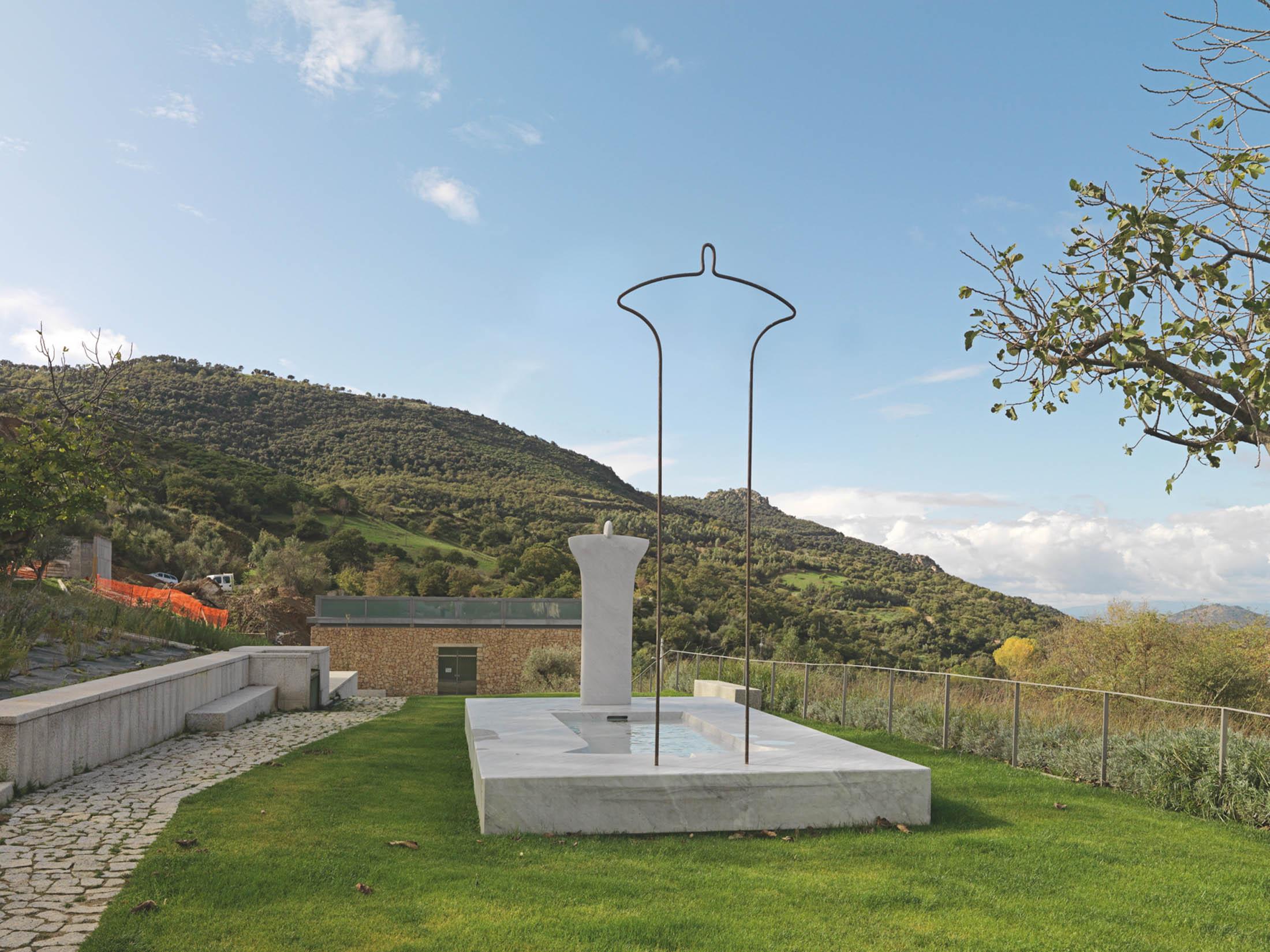 Orani, parco del museo Nivola, fontana realizzata su disegno di Nivola- Fonte museo Nivola