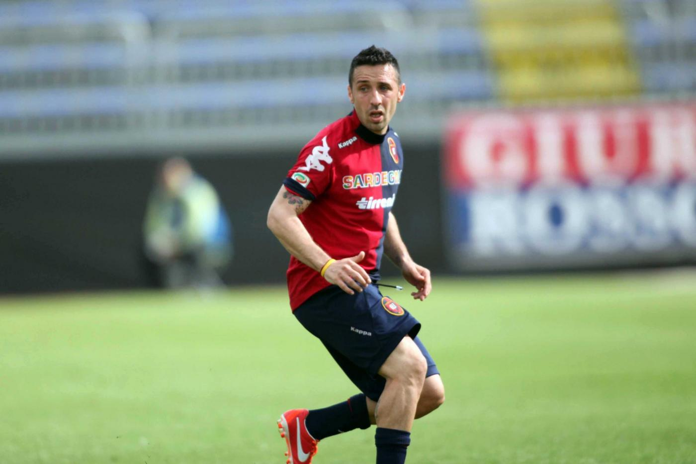 Cagliari inguardabile, il Chievo serve la seconda sconfitta di fila alla Sardegna Arena per i rossoblù