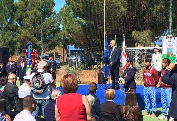 Il capo della Polizia Gabrielli all'inaugurazione del centro sportivo intitolato a Maurilio Vargiu, agente ucciso un anno fa