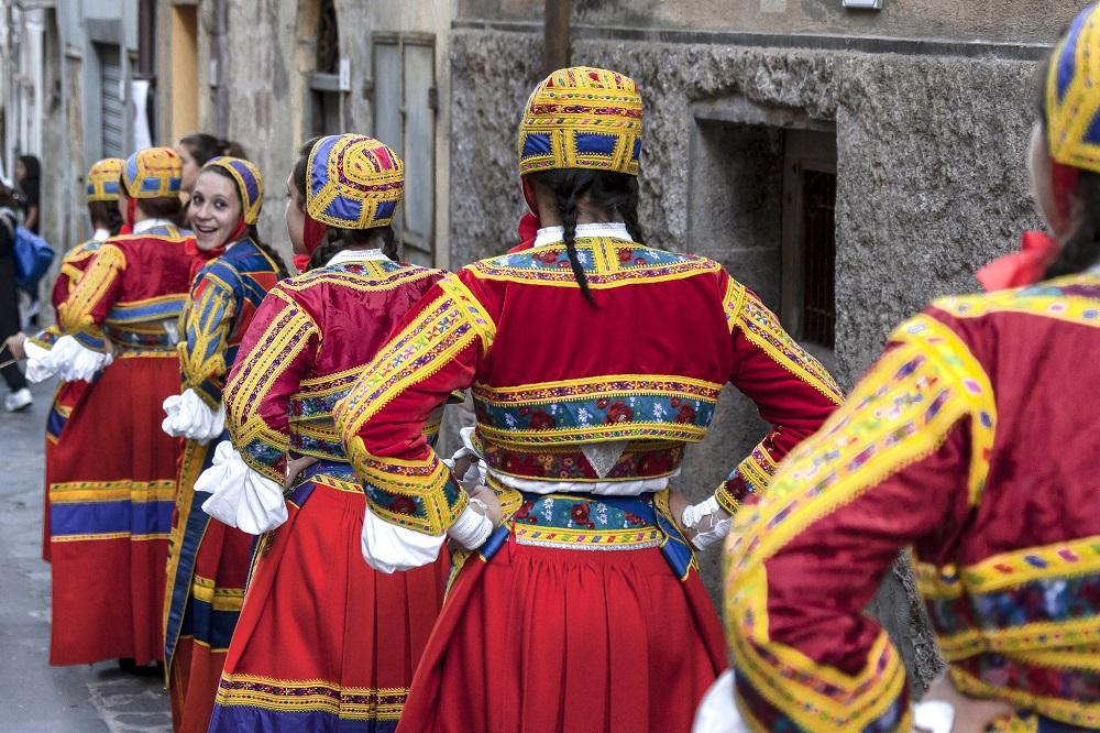 Desulo, il magnifico abito tradizionale - Fonte www.sardegnatuismo.it