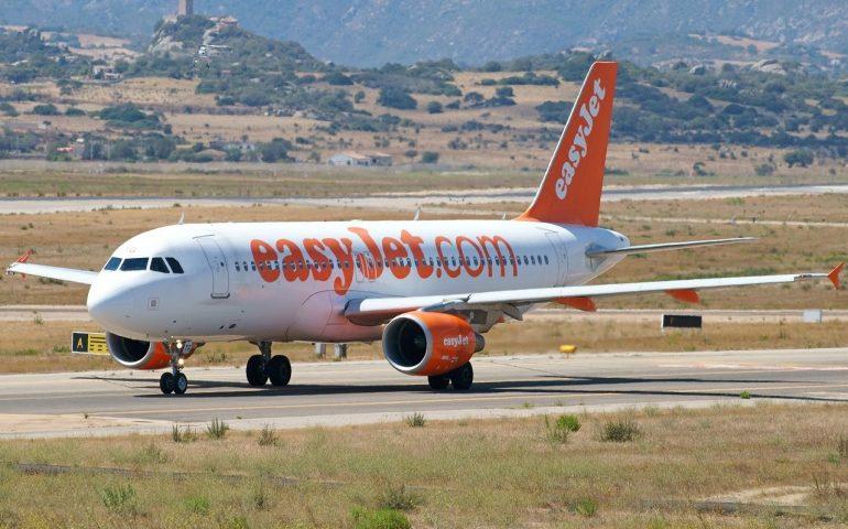 180 passeggeri lasciati a terra e senza assistenza: l'odissea del volo EasyJet Olbia-Manchester