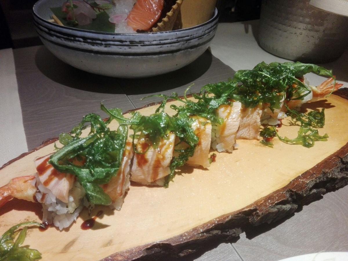 Rucola Maki con gambero in tempura e rucola fresca