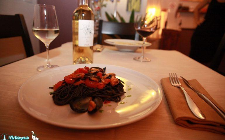 Cucina etnica, pizze gourmet e sapori dalla Sardegna: L'Oca Bianca, una cena per tutti nel cuore della Marina