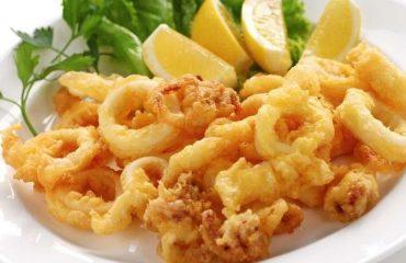 La ricetta Vistanet di oggi: frittura di calamari, un classico a cui pochi sanno dire di no