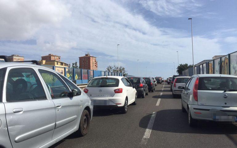 Asse mediano, troppi incidenti, il guard rail è da cambiare: chiusa domani l'uscita per via Cadello