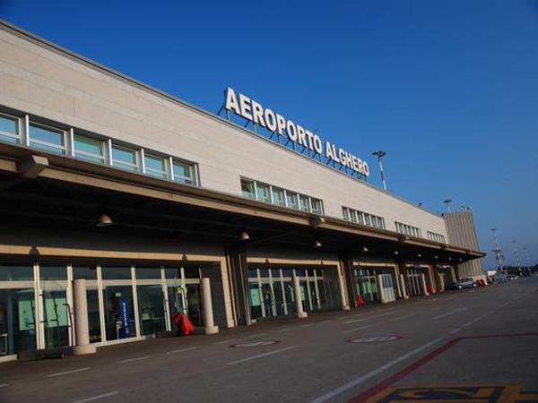 Tragedia all'aeroporto di Alghero: passeggero muore prima dell'imbarco