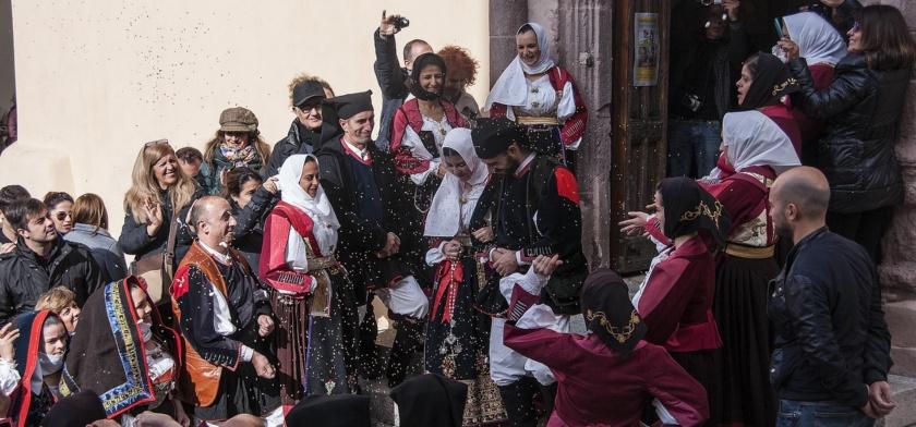 Nuoro, matrimonio in abito tradizionale - Fonte www.cuoredellasardegna.it