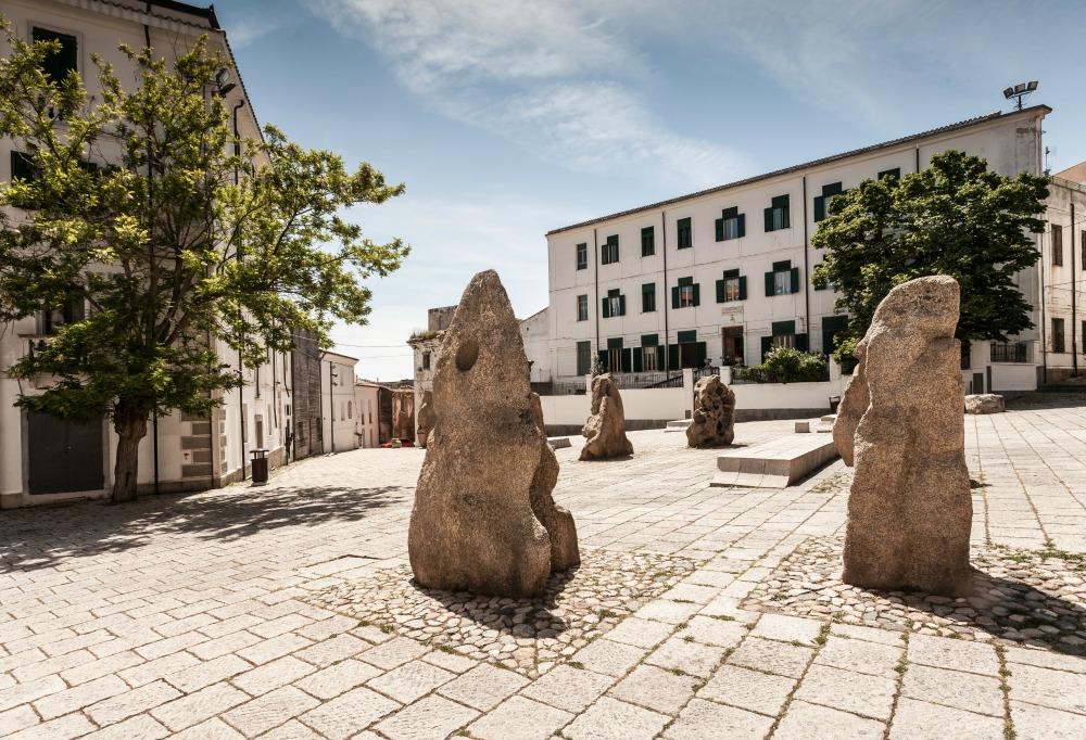 Nuoro, piazza Satta - Fonte www.sardegnaturismo.t
