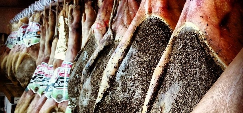 Nuoro, prodotti locali - Fonte www.cuoredellasardegna.it