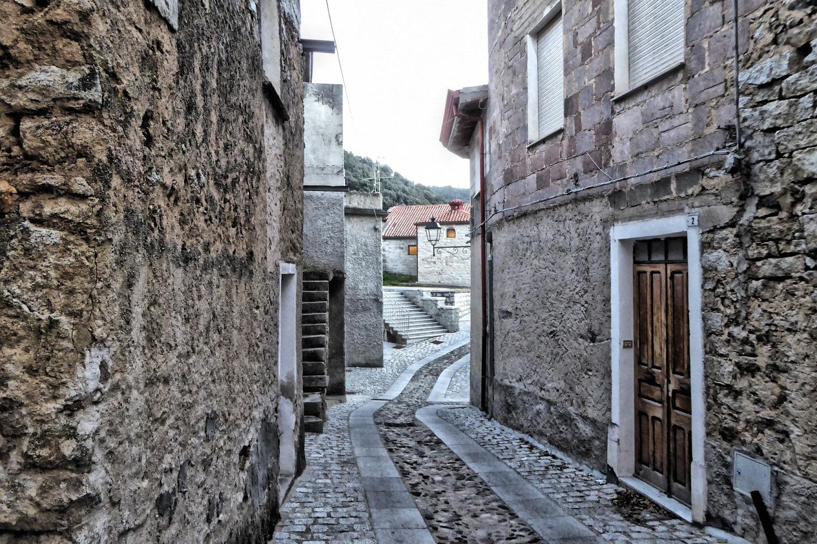 Olzai, scorcio del centro storico - Fonte www.bochesmalas.blogspot.com